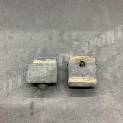 Tampons de capot R 11 T X 2